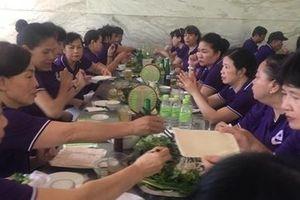 Hàng loạt du khách cấp cứu sau khi ăn trưa ở Đà Nẵng