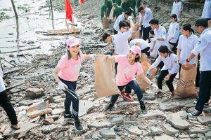 Rác thải được dọn sạch, trả lại vẻ đẹp cho bờ biển Việt Nam