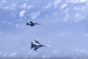 NATO: Su-27 hộ tống chuyên cơ của Bộ trưởng Quốc phòng Nga là hành động 'không an toàn'