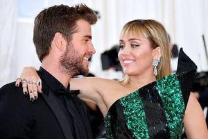 Miley Cyrus và Liam Hemsworth ly hôn vì ma túy và ngoại tình