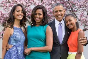 Đọc 'Chất Michelle' - kỳ 3: Vườn rau trong Nhà Trắng và cái choàng vai Nữ hoàng Anh