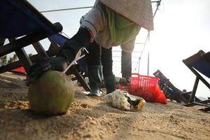 Nói 'không' với rác thải nhựa tại di sản thiên nhiên Vịnh Hạ Long