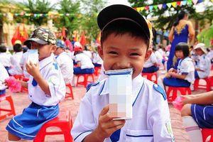 Bộ Y tế nói gì về việc 'chậm trễ ban hành quy chuẩn sản phẩm sữa tươi học đường'?