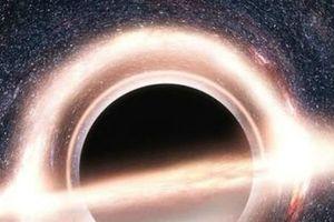 Sửng sốt gió nóng phát hiện gần lỗ đen