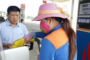 Giá xăng giảm hơn 500 đồng/lít từ 15h