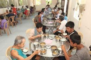 Bình Phước: 'Suất cơm 0 đồng' dành cho bệnh nhân nghèo