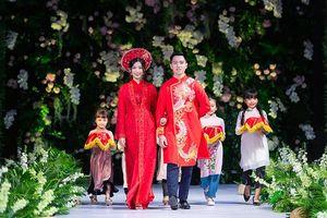 Tiêu Ngọc Linh hóa nàng thơ yêu kiều với áo dài cưới 2019