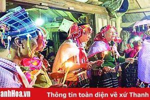 Độc đáo tục xên bản, xên mường của người Thái