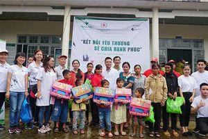 Khám, phát thuốc miễn phí cho 150 đồng bào nghèo tại huyện Ngọc Hồi