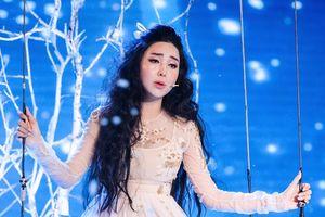 Phi Nhung nhận xét 'cực gắt' về giọng ca 10 năm kinh nghiệm