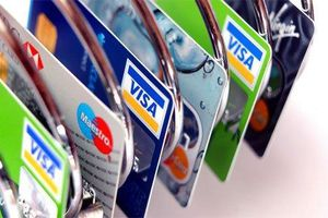 Khởi tố nhân viên tín dụng ngân hàng lừa đảo hàng chục tỷ đồng