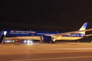 Siêu máy bay Boeing 787 - 10 Dreamliner đầu tiên về Việt Nam