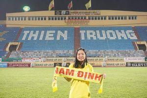 Nữ CĐV qua đời trên đường đến sân cổ vũ, CLB Nam Định chia buồn với nghĩa cử đặc biệt