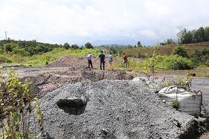 Đắk Nông: Hàng trăm mét khối chất thải rắn bị đổ trái phép