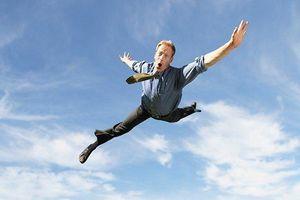 Điều gì xảy ra khi bạn rơi tự do từ độ cao 10.000 m?