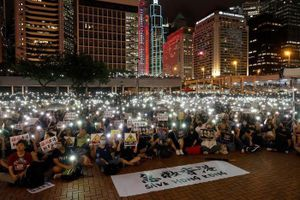 Trung Quốc siết chặt quân đội ở biên giới với Hồng Kông