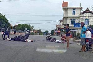 Va chạm xe máy kinh hoàng, 3 người thương vong