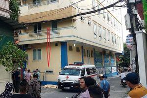 Một giáo viên nước ngoài rơi từ tầng 4 xuống đất tử vong