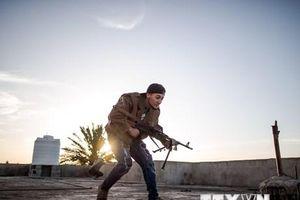 Libya: Quân đội miền Đông không kích một sân bay dân sự tại phía Tây