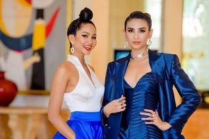 Hoa hậu H'Hen Niê cùng Á hậu Hoàng Yến đọ dáng ở Hà Nội
