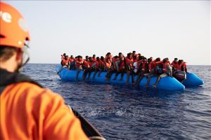 Giải cứu 330 người di cư ở ngoài khơi Thổ Nhĩ Kỳ, Libya