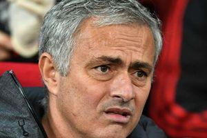 Mourinho suýt rơi lệ vì nhớ bóng đá