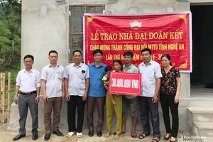 Hoạt động hỗ trợ người nghèo, học sinh có hoàn cảnh khó khăn ở các địa phương