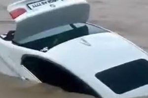 SƯỚNG QUÁ HÓA RỒ: Không hài lòng với món quà bố mẹ tặng sinh nhật, chàng trai lao thẳng BMW xuống sông
