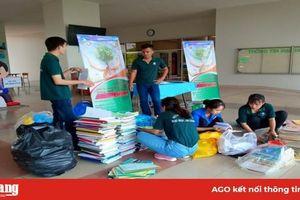 Sinh viên Trường Đại học An Giang tổ chức đổi giấy lấy cây