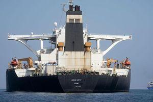 Iran dọa Mỹ sẽ lĩnh 'hậu quả nặng nề' nếu bắt tàu chở dầu nước này
