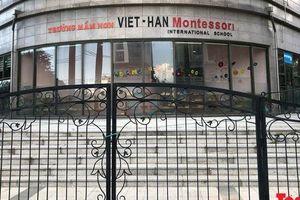 Chuyện khó tin: Gắn mác 'quốc tế' cho Trường Mầm non Việt Hàn - Montessori là do Tòa chung cư tự làm, tự đặt!
