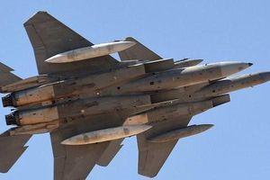 Liên quân Arab tấn công phá hủy các hang động chứa tên lửa và UAV của Houthi