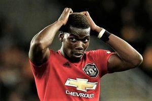 Pogba gây phẫn nộ vì đá hỏng penalty và tranh giành với Rashford