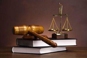 Bảo vệ hay phá hoại pháp luật?