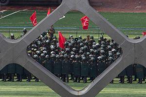 Tập trung quân sát Hong Kong, Bắc Kinh đưa ra cảnh báo gay gắt