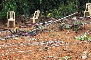 Quảng Bình: Cột ăng ten bị gãy khiến 2 công nhân rơi xuống đất tử vong