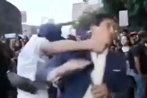 MC nam bị đấm bất tỉnh khi đưa tin về biểu tình nữ quyền