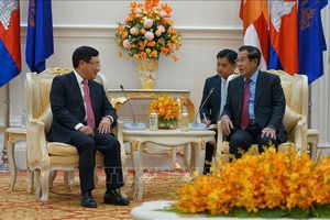 Phó Thủ tướng, Bộ trưởng Ngoại giao Phạm Bình Minh chào xã giao Thủ tướng Campuchia