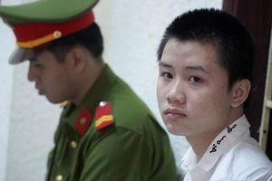 Xét xử thiếu niên 16 tuổi đâm chết người vì bị nhắc nhở vượt đèn đỏ