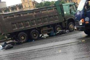 Va chạm với xe tải, 2 người nước ngoài gặp nạn ở Ninh Bình