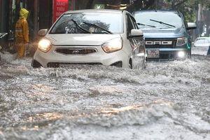 Dự báo thời tiết ngày 21/8: Bắc Bộ mưa dông, lốc sét kéo dài