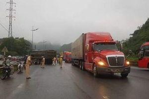 Nữ du khách nước ngoài tử vong sau cú tông vào xe tải