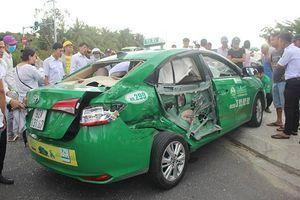 Quảng Nam: Xe tải va chạm taxi, 1 người tử vong, 3 người bị thương
