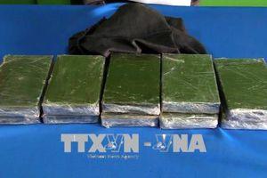 Chặt mắt xích quan trọng trong chuyên án ma túy tại Cao Bằng, thu giữ 10 bánh heroin