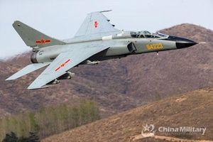 Trung Quốc 'bạo tay' đem tiêm kích-bom mới nhất sang Nga thi đấu