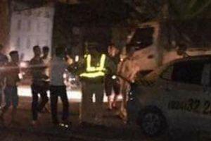 Hà Nội: 3 thanh niên hung hãn tấn công cảnh sát giao thông