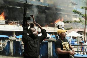Bạo loạn ở Tây Papua, Indonesia cắt mạng, khẩn cấp chi viện 1.000 quân