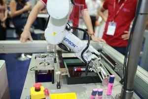 Epson trình làng thế hệ robot công nghiệp mới