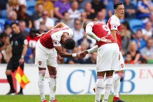 Arsenal ký mới Aubameyang theo phong cách... nhà nghèo