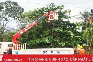 Điện lực Hương Khê chỉnh trang lưới điện, ứng phó mưa bão